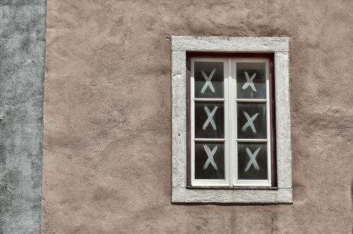 window wall home