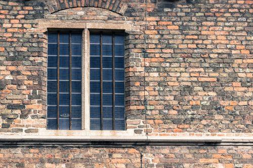 window wall old