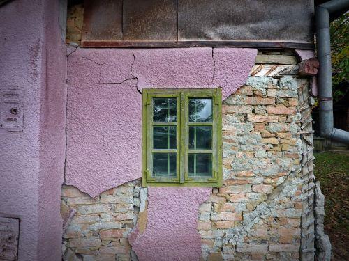 window pink green