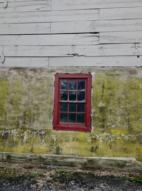 window barn window red window