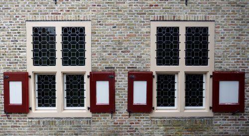window wall symmetry