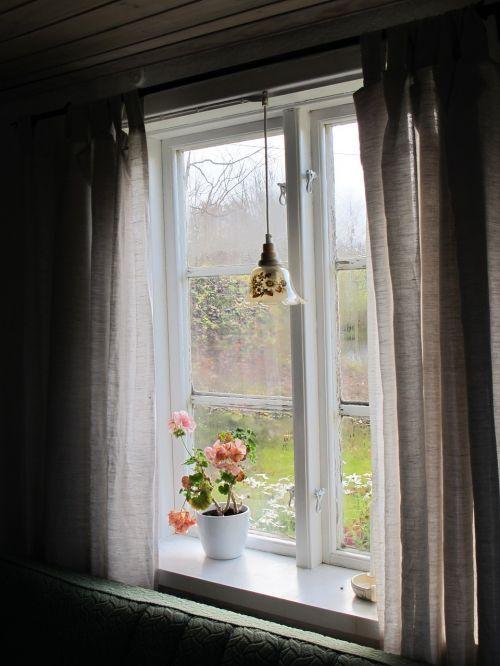 window torp summer house