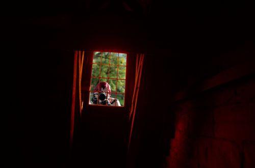 window spy photographer