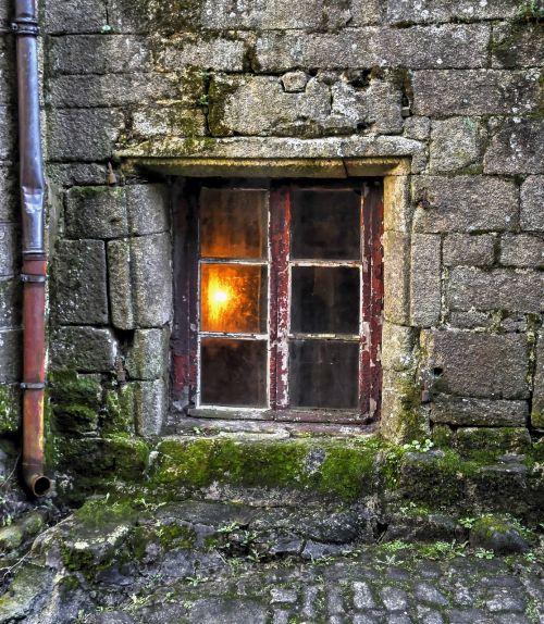 window former light