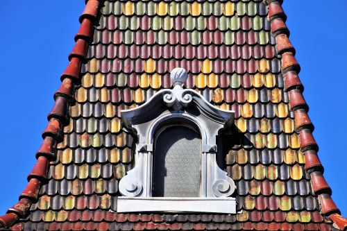 window attic decorating