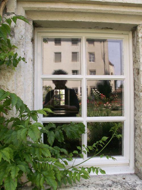 window mirroring confusion