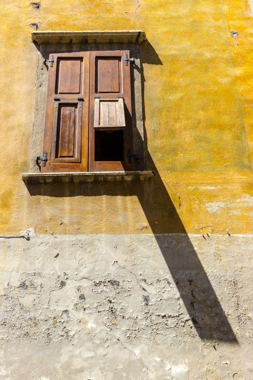 window shutter light