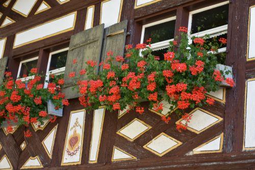 window decorations historic home nostalgic