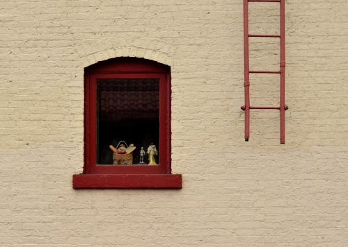 windows ladders bricks