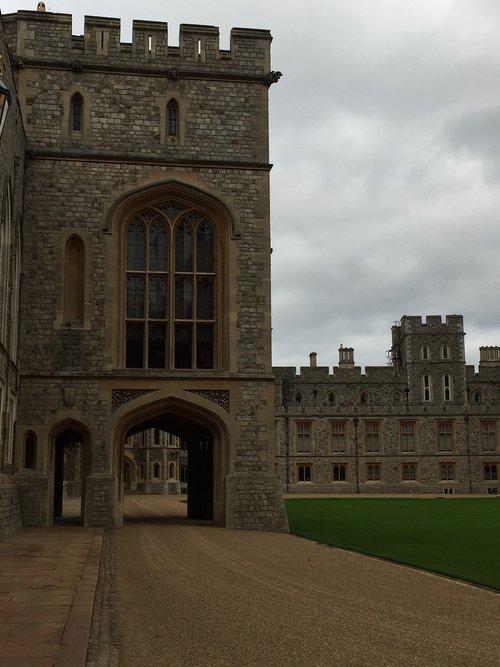 windsor castle  royal  windsor