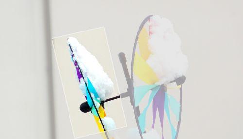 windspiel colorful winter
