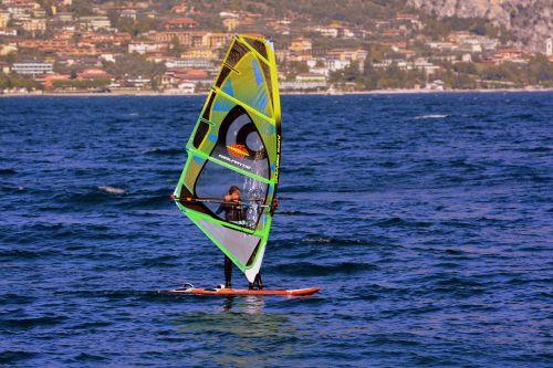 windsurfing vela lake