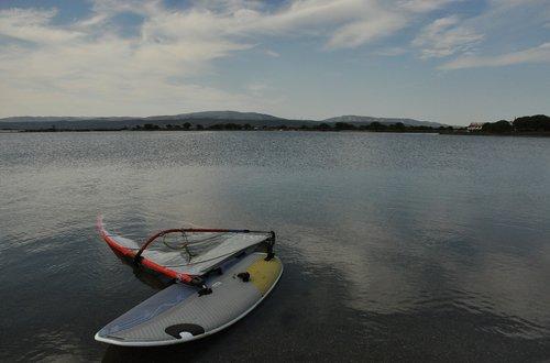 windsurfing  pond  nature