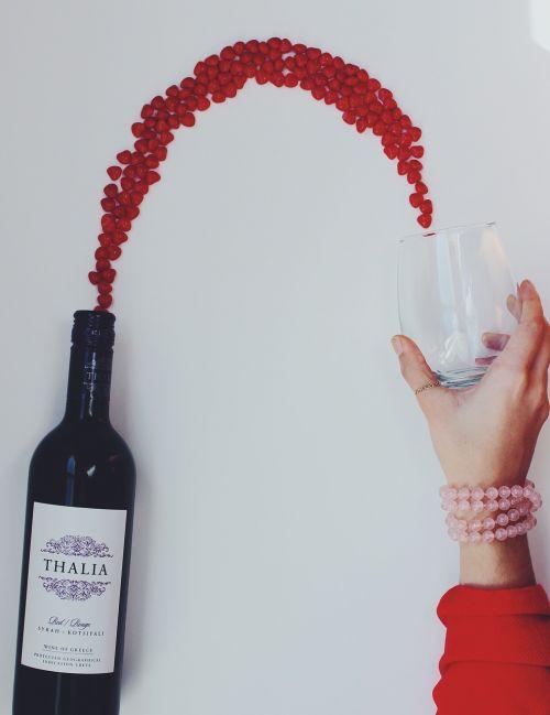 wine flowing wine glass