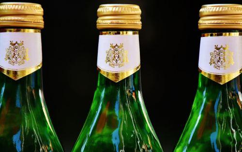 wine drink restaurant