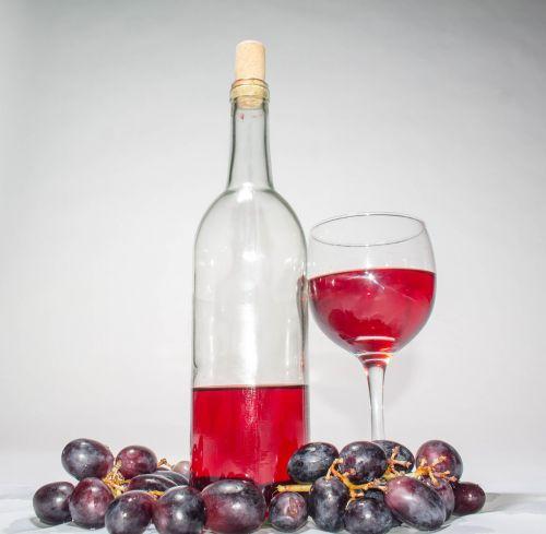 wine vino grapes