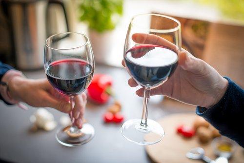wine  cheers  glasses