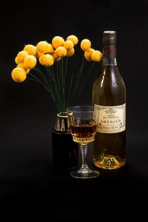 wine  white wine  pineau