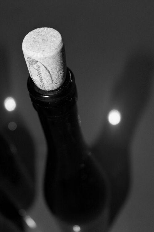 wine bottle burgundy