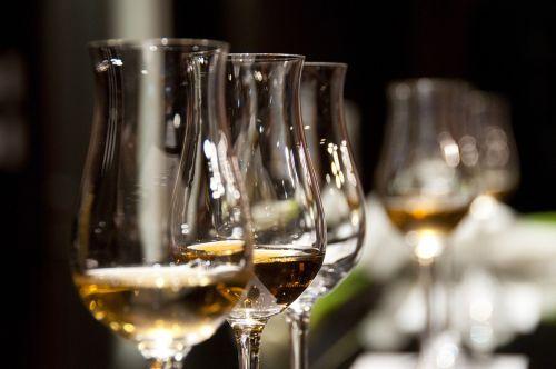 wine glasses drink wine
