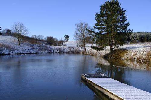 žiema,sniegas,ežeras,ledas,sušaldyta,vandenys,atspindys,snieguotas,idiliškas,šaltas,šaltis,gamta,kraštovaizdis,internetas,prieplauka
