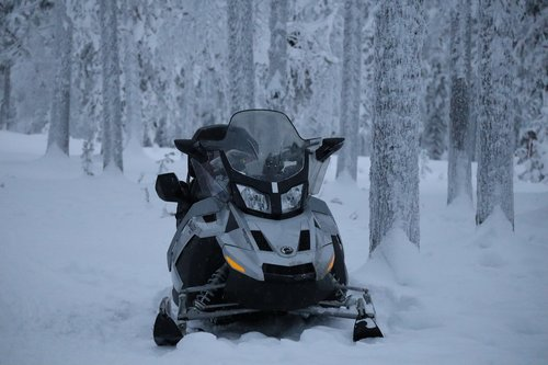 winter  snowmobile  sledding