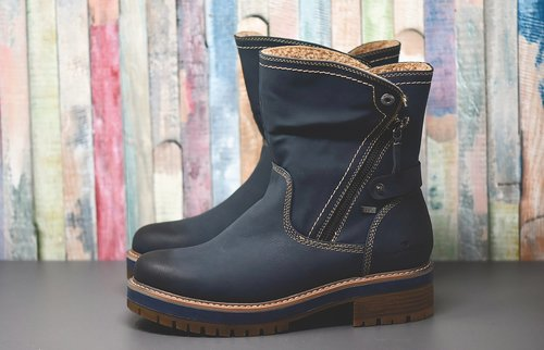 winter boots  shoes  leather boots