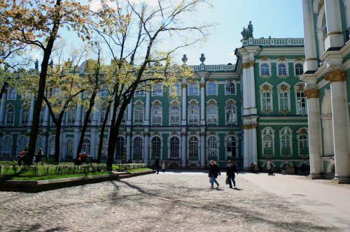 pastatas, istorinis, menas, kultūra, kiemas, medžiai, pavasaris, žiemos rūmų kiemas