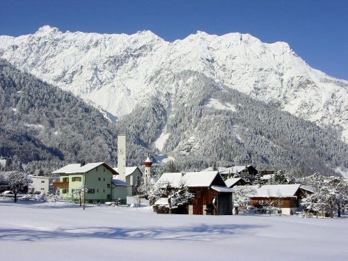 wintry bergdorf winter