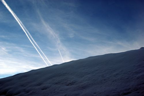 wintry snow contrail