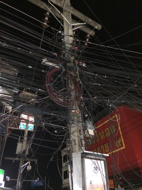 wire electricity post