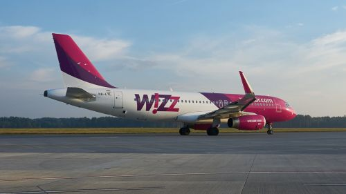 wizz wizzair the plane