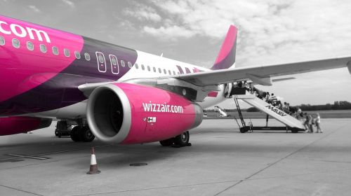 wizzair flying airport