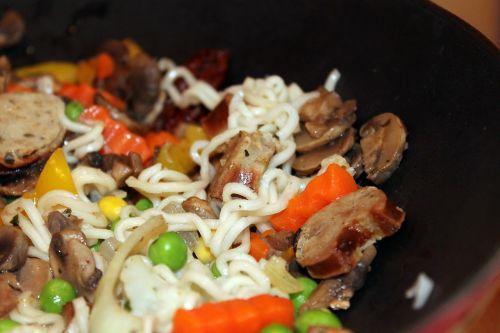 wok wok dish noodles