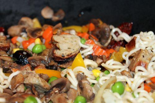 wok dish noodles peas