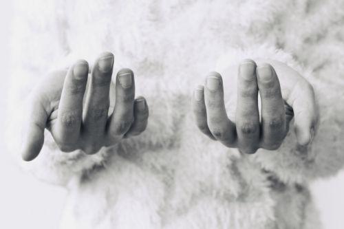 woman hands finger