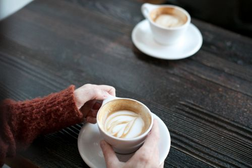 woman date coffee