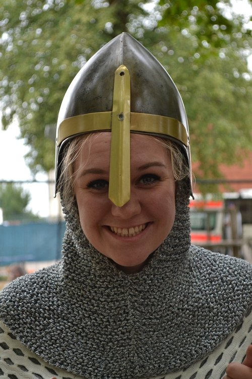 woman  knight  middle ages