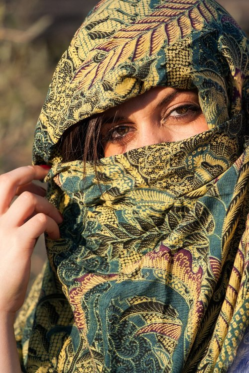 woman  portrait  scarf