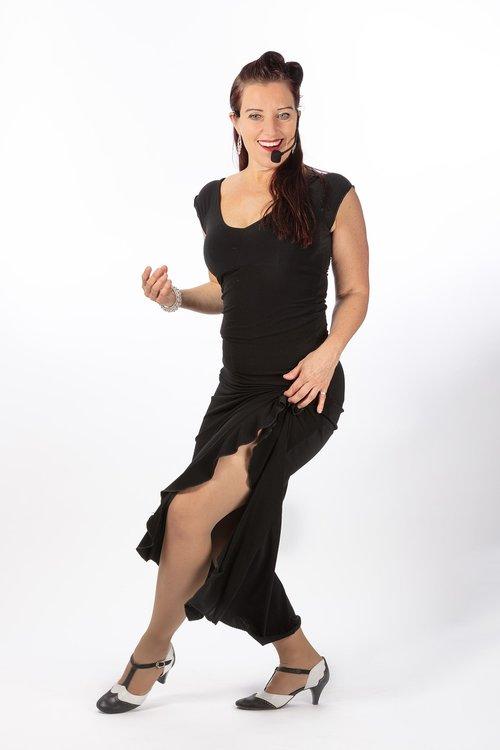 woman  dancers  dance