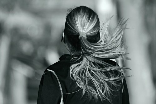 woman  running  hair