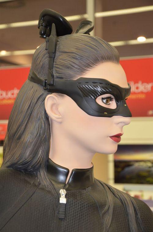 woman mask display dummy