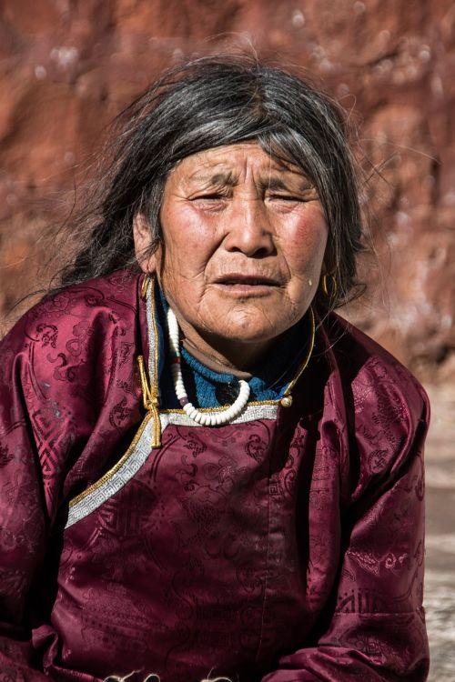 woman tibet indigenous