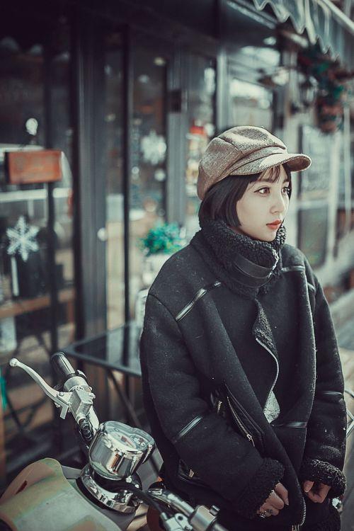 woman model posing as