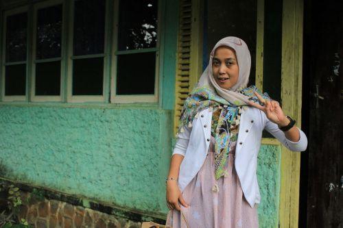 woman muslim hijab