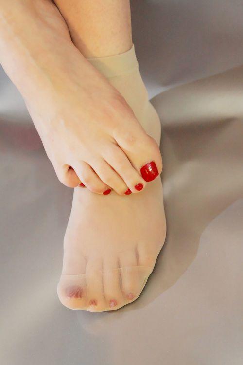 woman skin foot