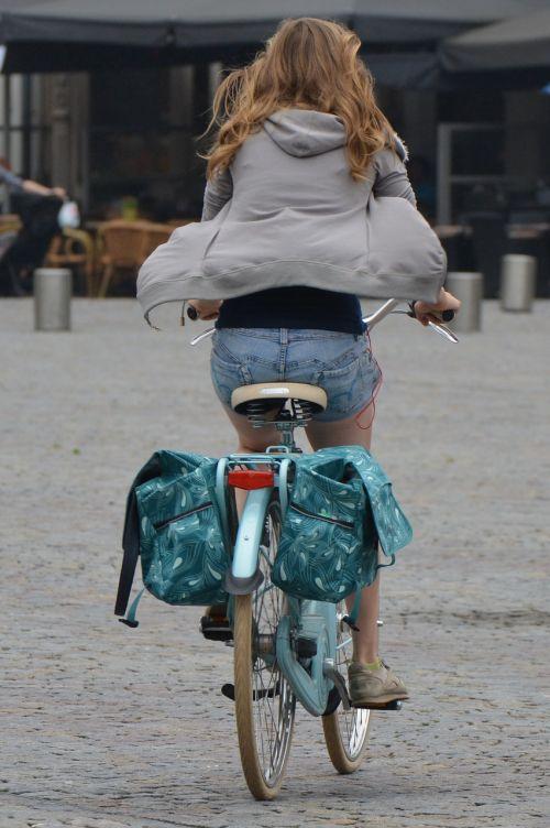 moteris,žmonės,keliauti ir keliauti,dviratis