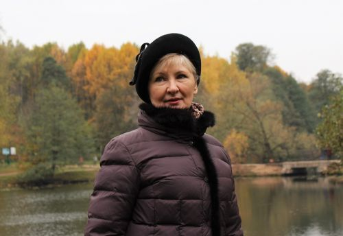 woman beret cap