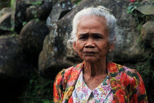 women indonesian parents