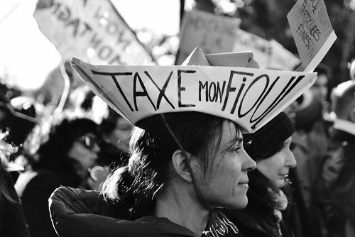 women  riot  movement